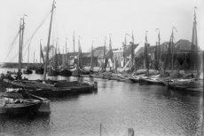 De Elburger haven omstreeks 1905