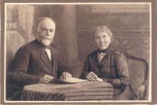 Abraham de Lange (1857-1930) en zijn echtgenote Esther de Lange-Cracau (1858-1943)