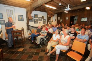 presentatie jubileumuitgave Visafslag Elburg