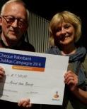 Bestuur ontvangt cheque van het Rabo Clubkas Fonds 2016